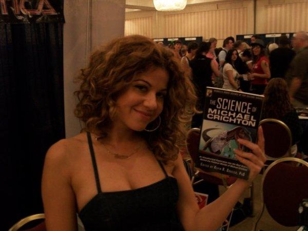 Luciana Carro at Dragon*Con 2009 (photo by Kevin Grazier)