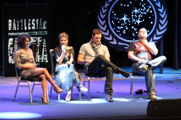 Luciana talking at the BSG tribute panel (photo by vpk)